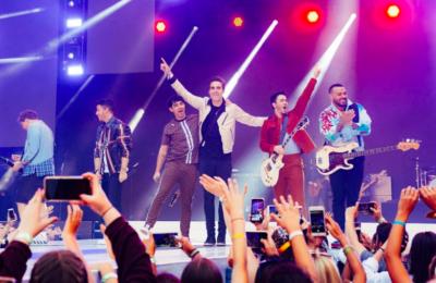 Jonas Brothers Releases Happiness Begins